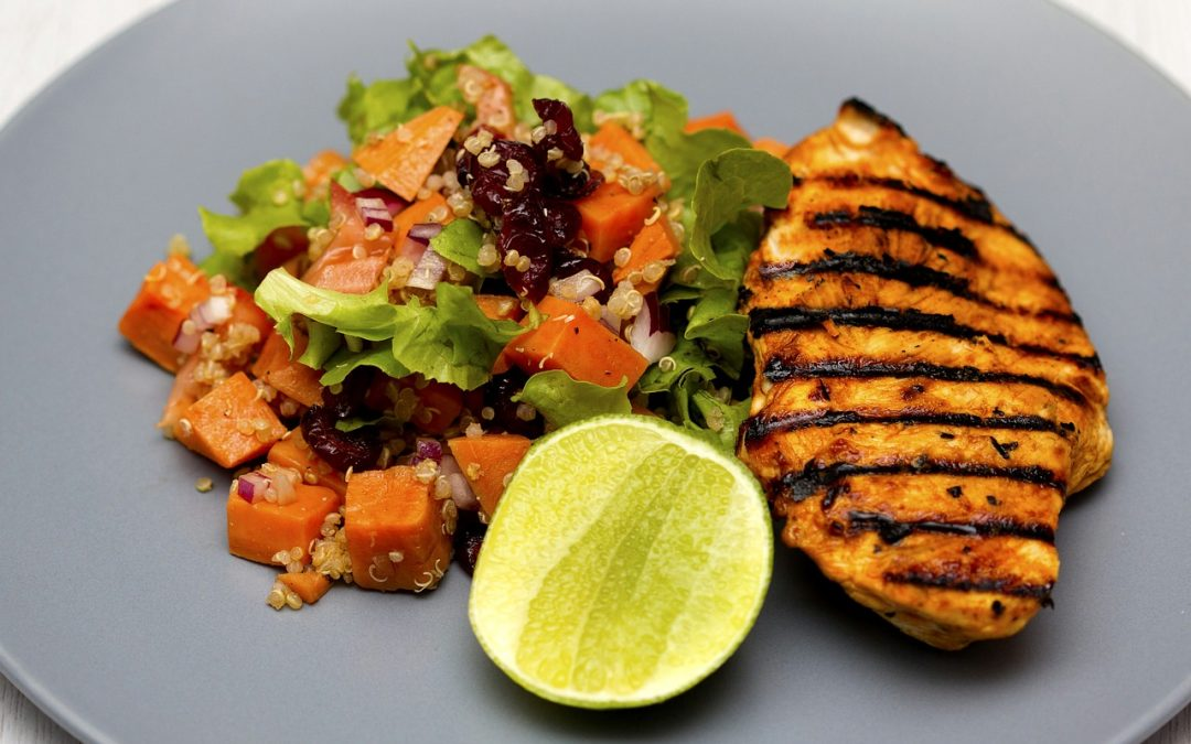 Grilled chicken and quinoa | ErrandPro: bringing together restaurants, food and beverage (F&B) professionals, and producers