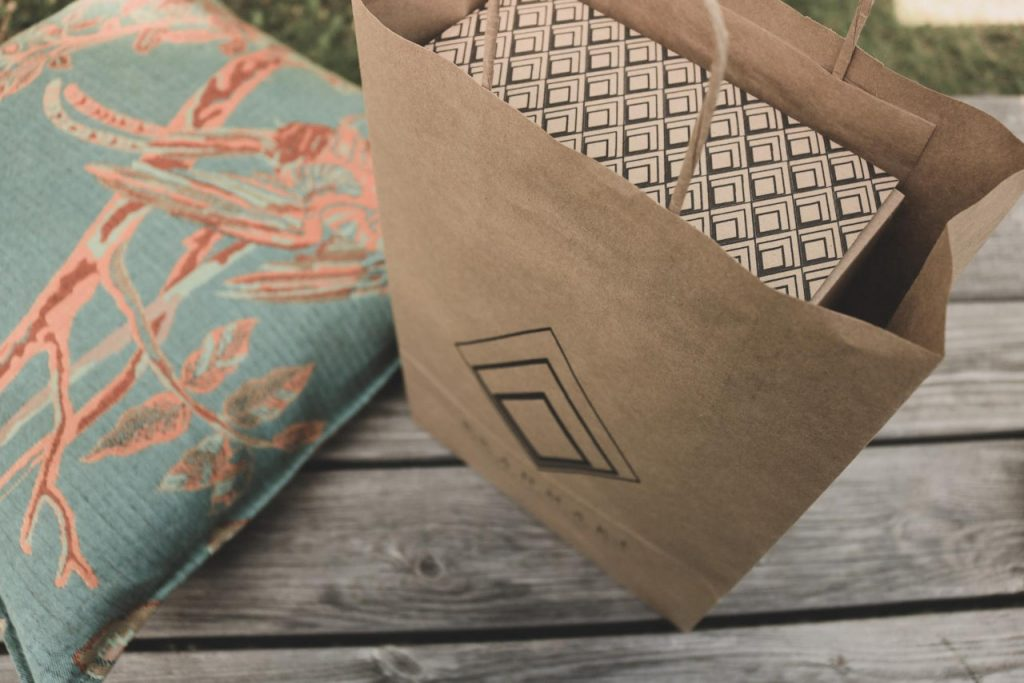 Custom packaging in ecommerce   ErrandPro: bringing together restaurants, food and beverage (F&B) professionals, and producers